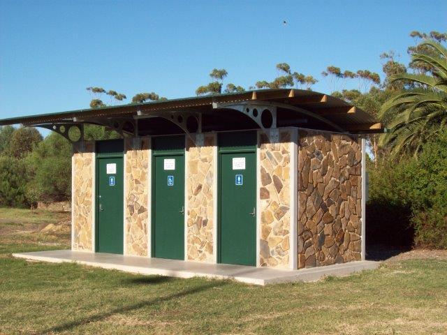 Freeling-Toilet-1